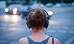 Noise-Cancelling Vs.Noise-Isolating Headphones What's the Difference